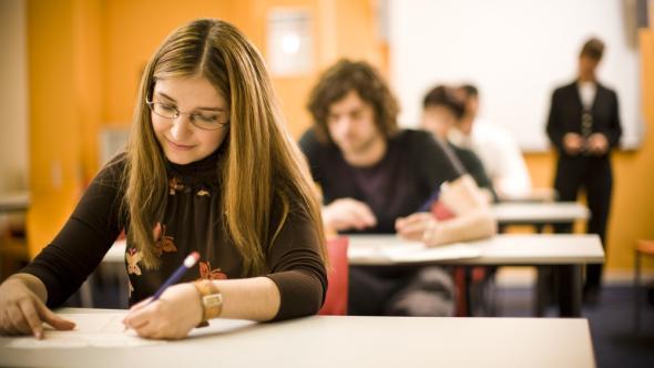 L'université doit-elle prendre exemple sur les classes préparatoires ?